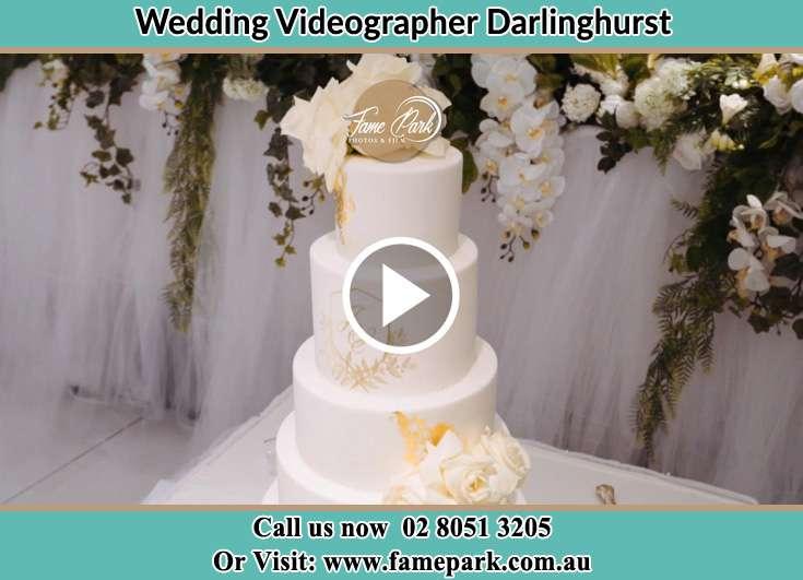 Bride and Groom wedding cake Darlinghurst NSW 2010